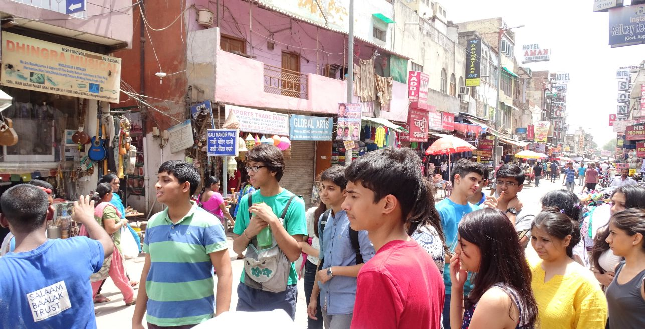 Finding our way through the streets - on the community visit in Paharganj